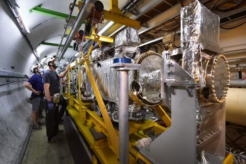 Installation of the TDIS unit for the High-Luminosity LHC